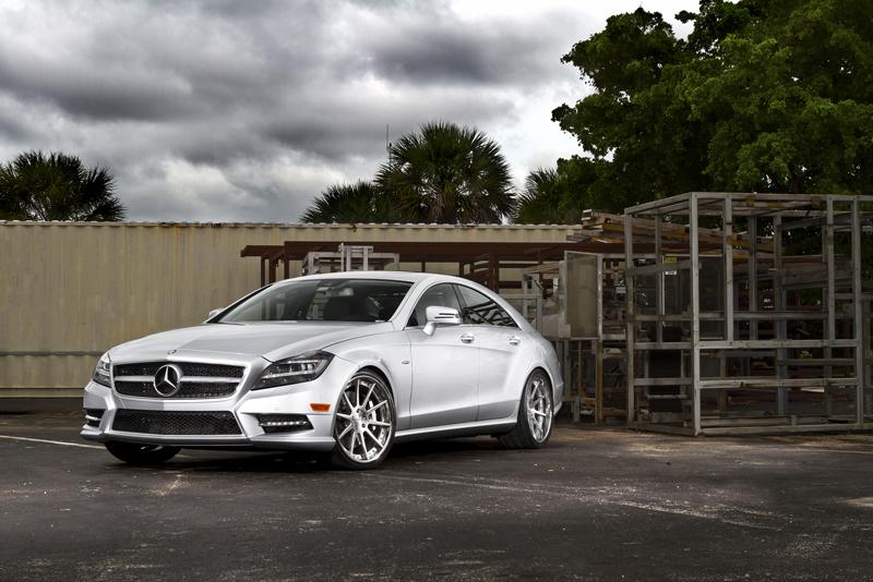 Mercedes Benz CLS550_1