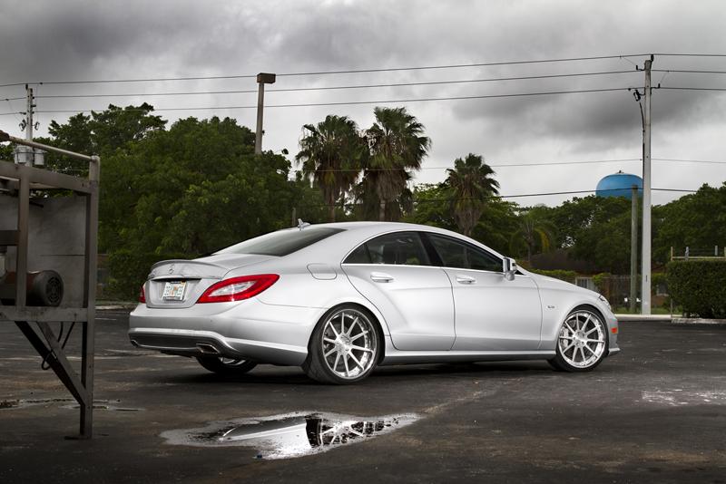 Mercedes Benz CLS550_3
