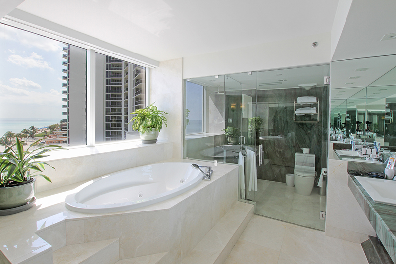 Marble-Bathroom-Real-Estate-SunnyIsles