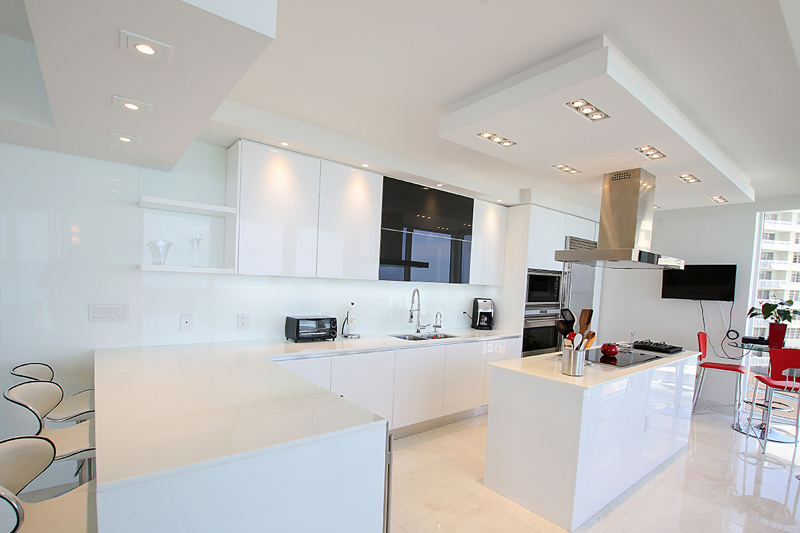 White Kitchen Cabinets-Sunny Isles